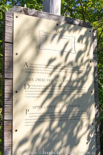 Köveskál felső temető - 3 nyelvű információs tábla: magyar, angol, német - 853x1280 pixel - 466026 byte