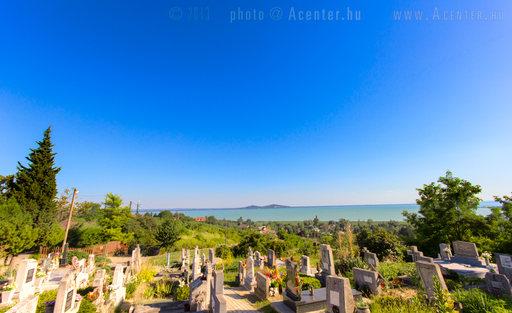 2013. 10. hét képe: Badacsonyörsi temető - Badacsonytomaj - 1280x783 pixel - 957079 byte