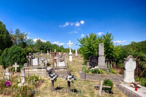 A hét képe: 2013. 18. hét: Kékkút,  temető - 1800x1200 pixel - 2558837 byte