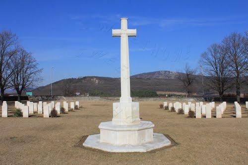 Solymár, katonai temető