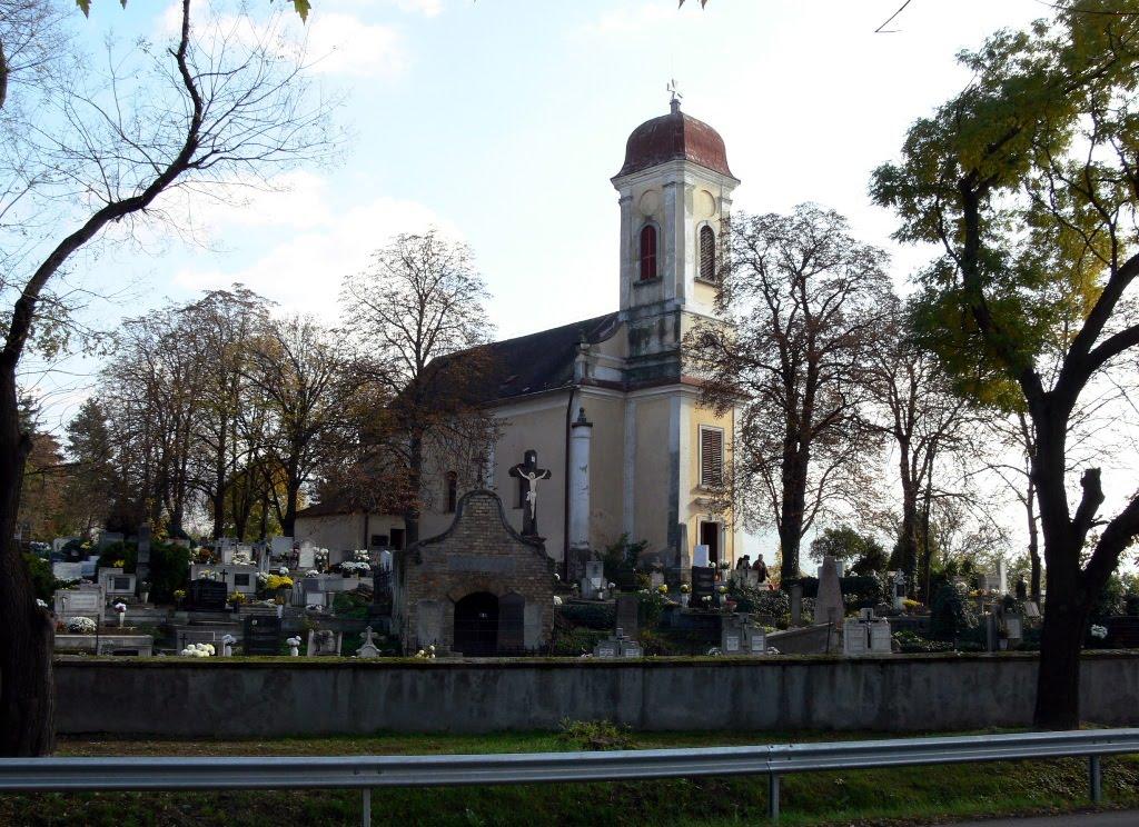 Szentlélek temető és kápolna