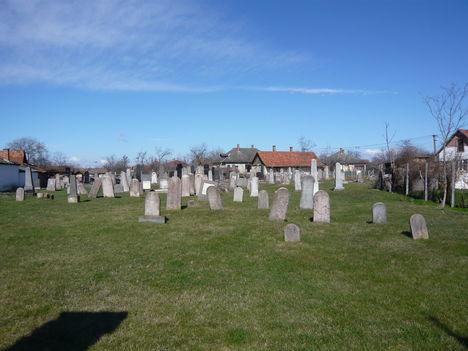 Túrkevei zsidó temető