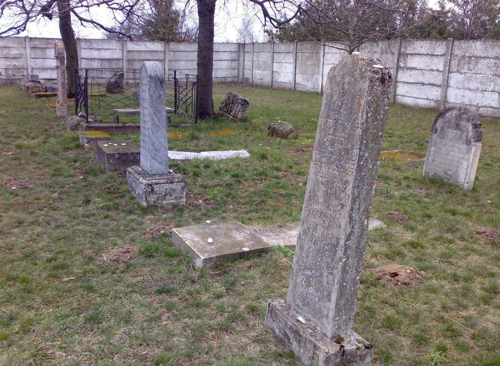 Zsidó temető Fertőszentmiklós