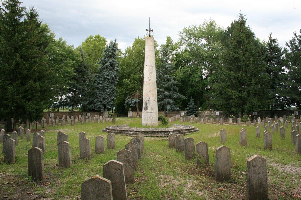 Harkány - Bolgár katonai temető. A II. világháborúban elhunyt bolgár katonák nyughelye.