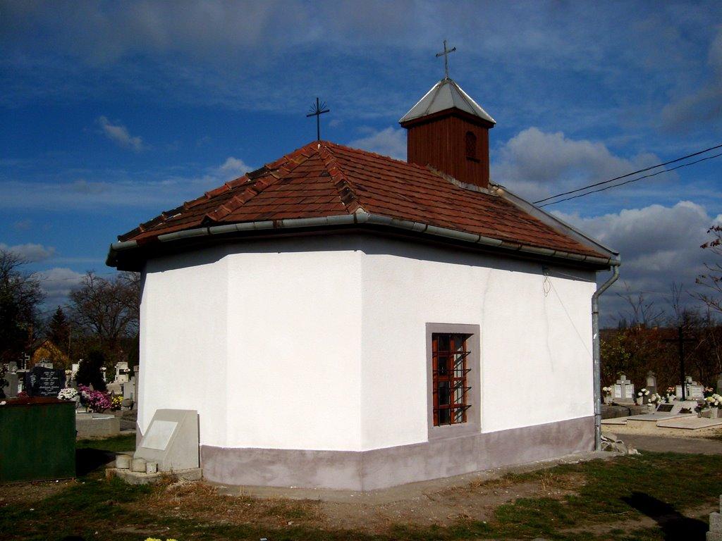 Szent Rókus Kápolna. (Épült az 1739-es pestisjárvány emlékére.)