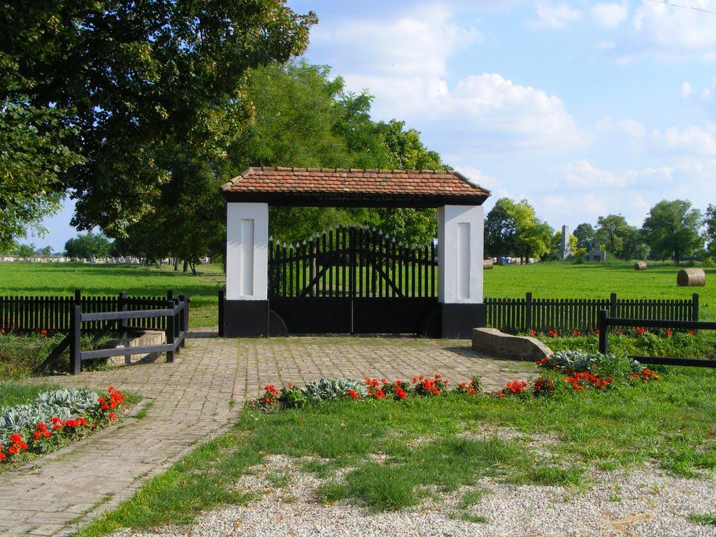 Az ótemető kapuja