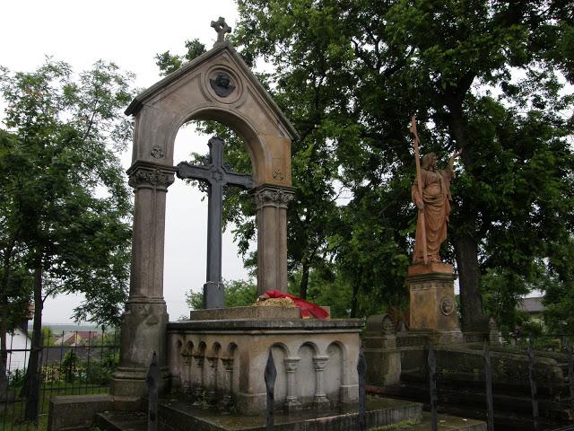 Tahitótfalu, katolikus temető