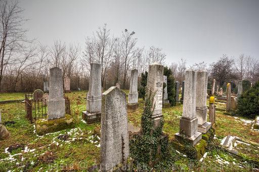 Jászberény, izraelita temető (Szent Imre herceg út) - 1800x1200 pixel - 2449286 byte