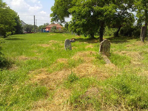Régi izraelita temető. A temető megközelíthető: Berettyóújfalu, Szabolcska utca.  - 640x480 pixel - 203419 byte