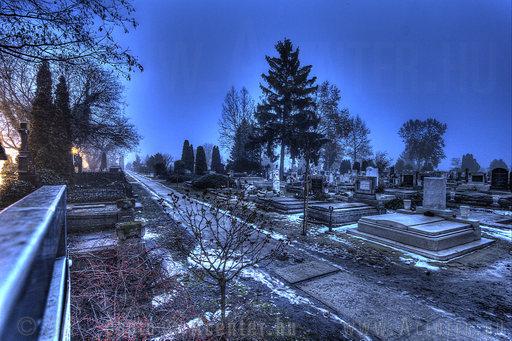 Jászberény - Fehértói temető (Október 23.-a utca - Borsóhalmi út) - 1 - A hét képe 2013.4. hét - 1200x800 pixel - 1492271 byte