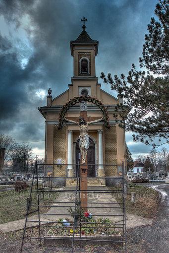Békéscsaba - Lipták András utcai (Tabáni) katolikus temető - kápolna -  A hét képe 2013.6. hét - 800x1200 pixel - 1362694 byte