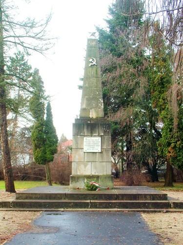 múltunk mementója (szovjet hősi temető)