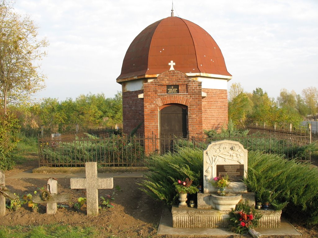 Kripta a katolikus temetőben