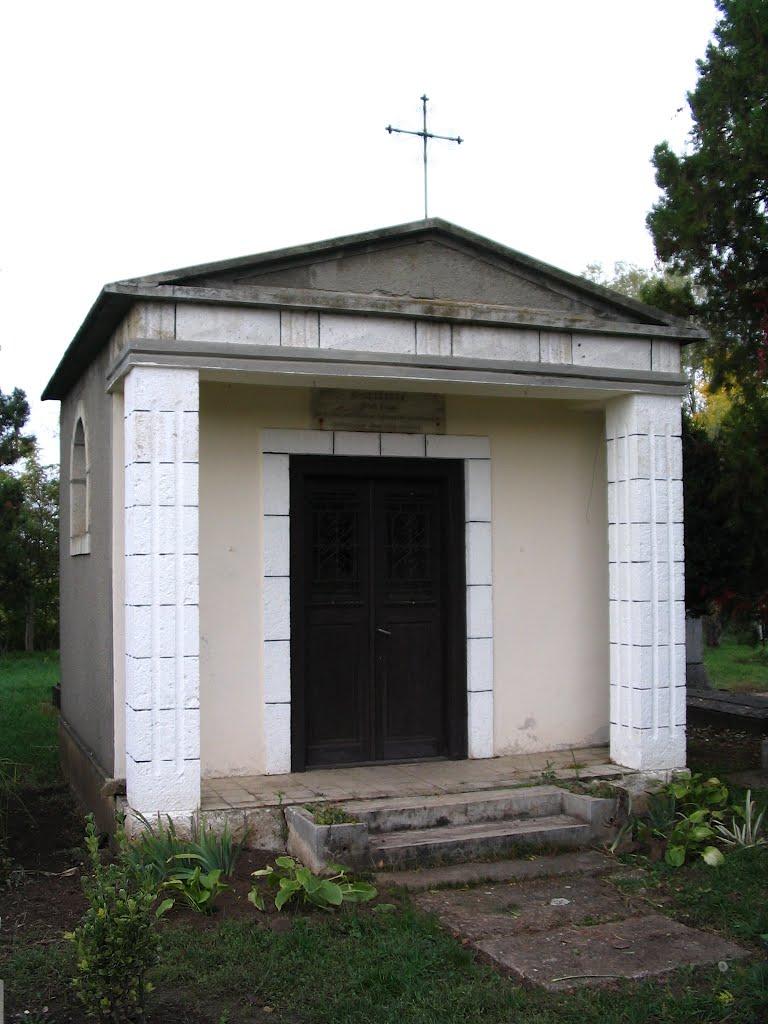 Tiszalök Szent József-sírkápolna neoklasszicista 1948